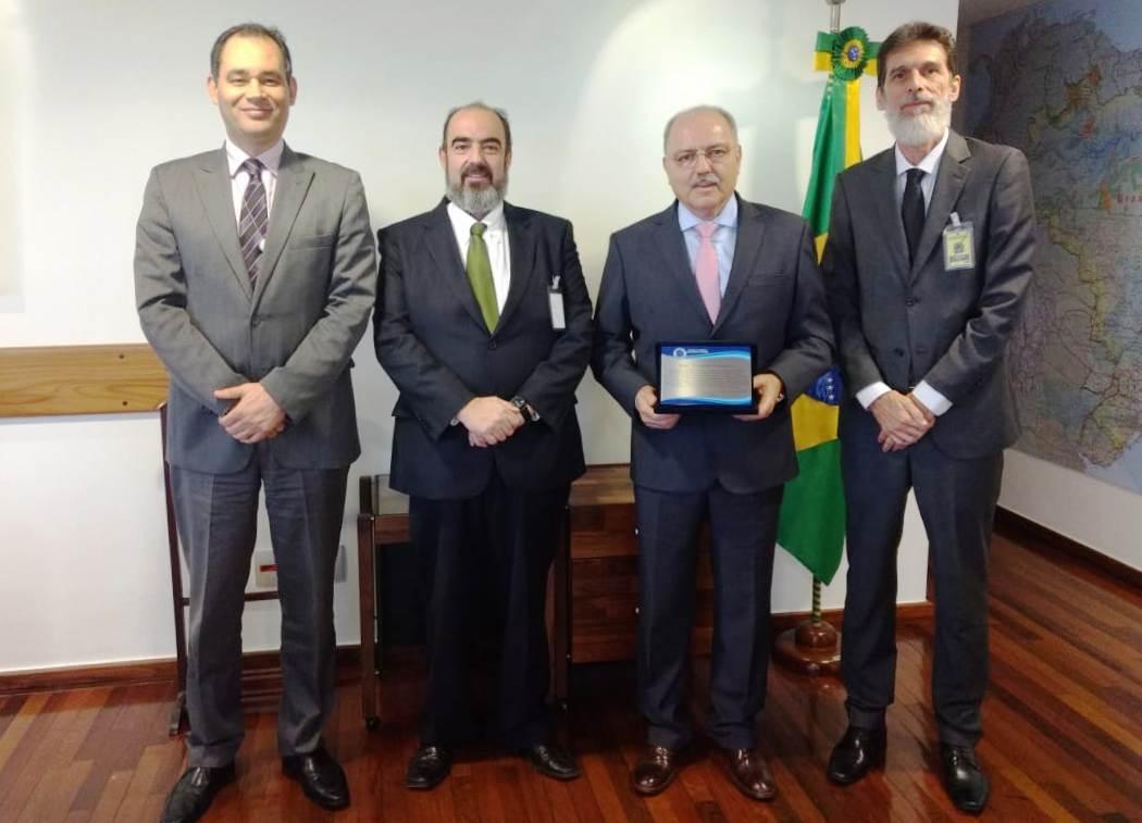 ASBIN homenageia ministro Sérgio Etchegoyen