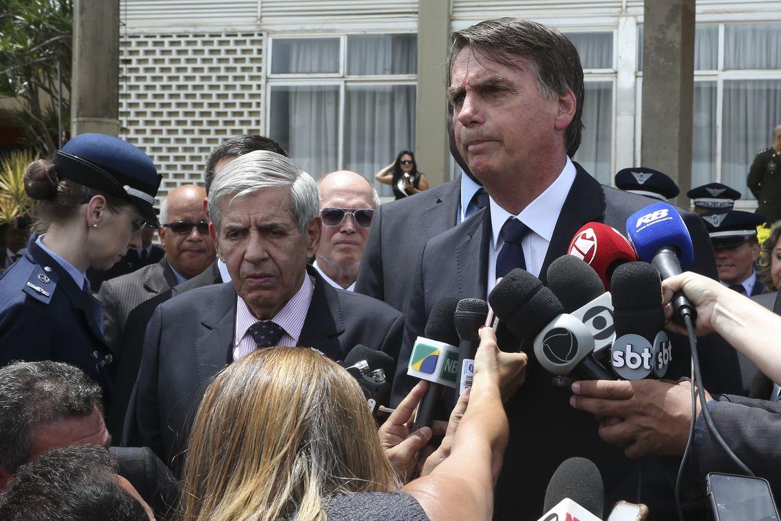 Bolsonaro anuncia redução da alíquota do Imposto de Renda