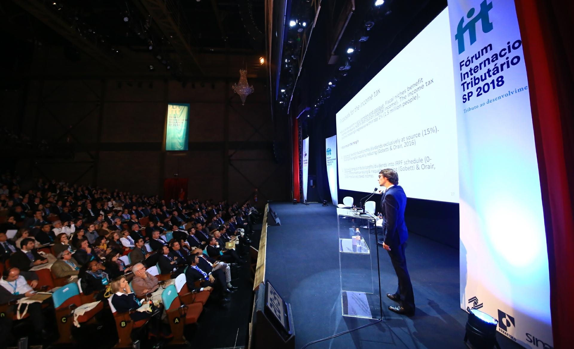 ASBIN presente no Fórum Internacional Tributário 2018